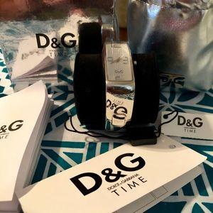 Dolce & Gabbana Bangle Watch